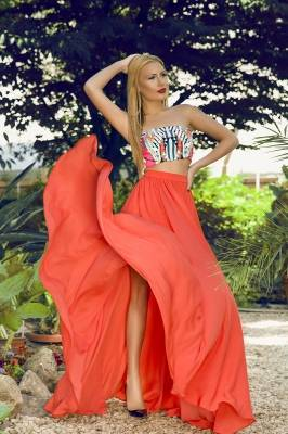 Long skirt in coral