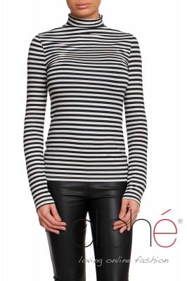 Turtleneck blouse in stripes