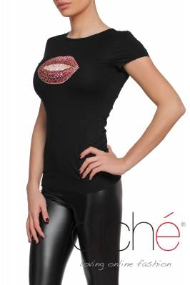 Black t-shirt with pink lips