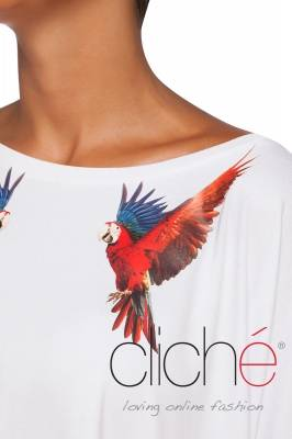 T-shirt with parrots