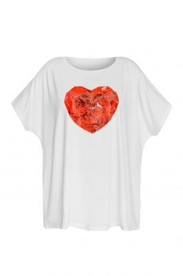 White t-shirt with a heart