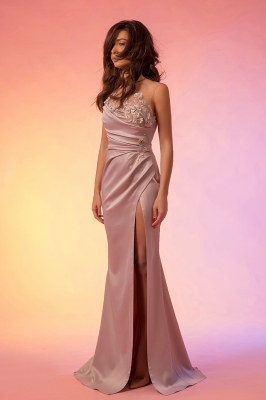 Thigh split maxi prom dress