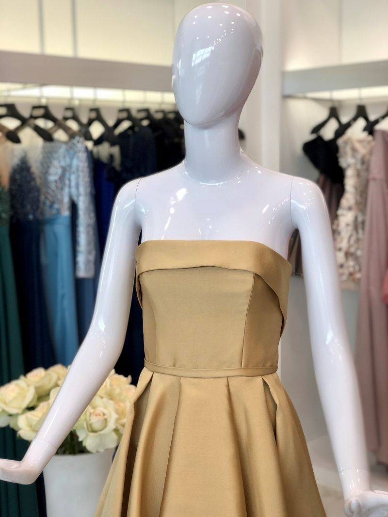 Bandeau pleated dress in gold