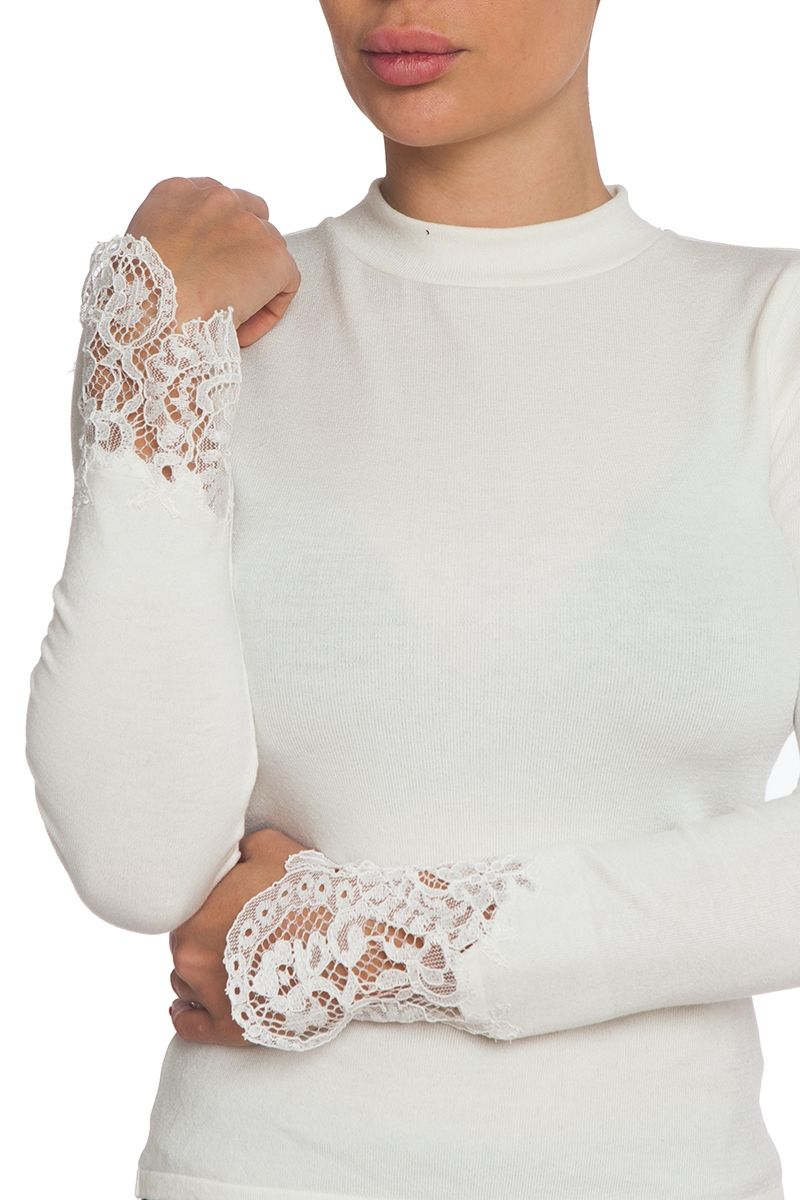 Turtleneck blouse with lace details on sleeves in off white