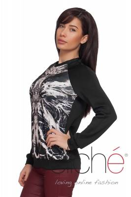 Blouse with print in black and white