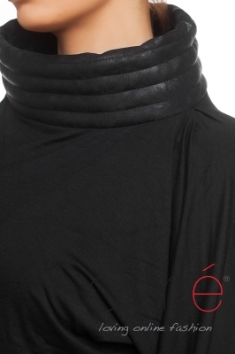 Long shirt with a coated leather neckpiece