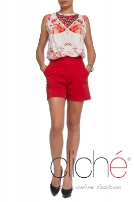 High-waisted shorts in red