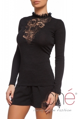 Black knitted blouse with lace