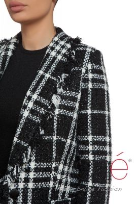 Boucle blazer in black and white