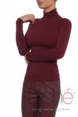 Long sleeve turtleneck in burgundy