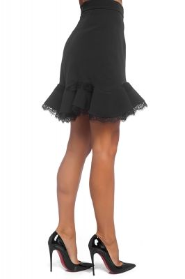 Short skirt with frill and lace